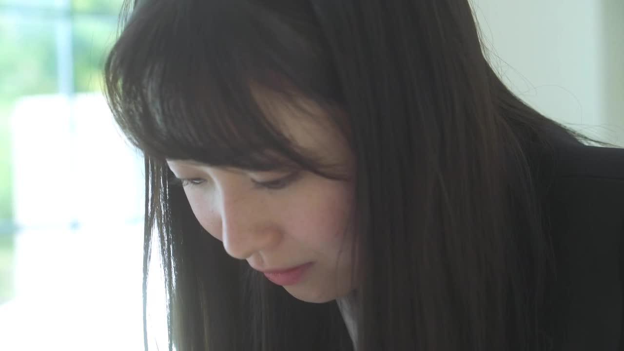 親密な関係 / 大崎菜々子 2