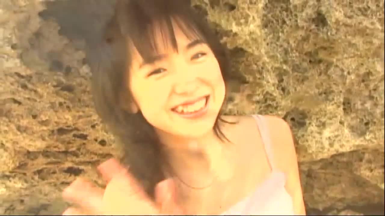 c13 - 田代ルナ / 可愛すぎる正統派アイドル、ルナの海岸日記