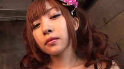 c14 - A white doll ゆりしーてんしーうれしー/落合祐里香