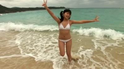 c3 - 香坂まや 制服と沖縄の海で・・